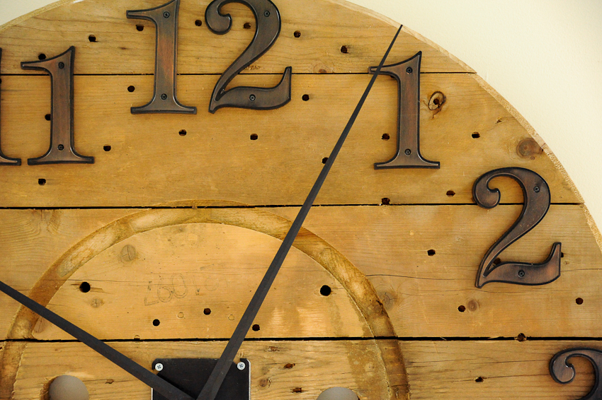 carreteoversized-wall-clock-wooden-cable-spool-5