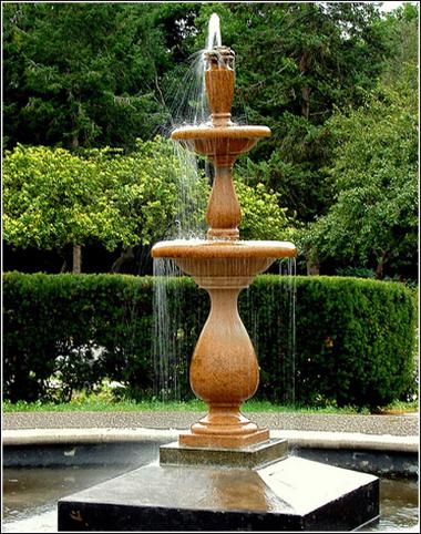 fuentes-de-agua-para-jardines-pequenos1