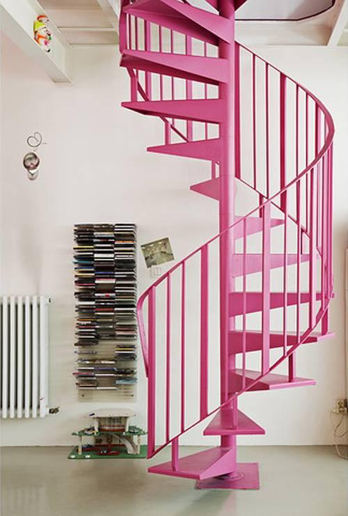 escaleras-caracol-color-rosa