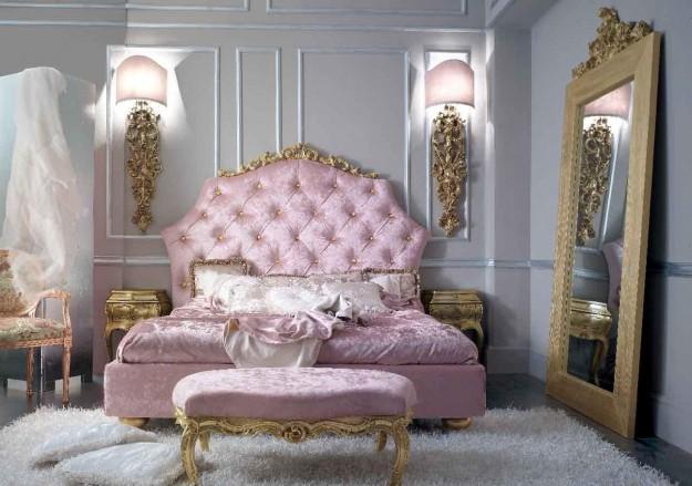 camera-con-grande-letto-e-punti-luce