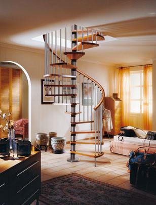 una-buena-idea-escalera-de-caracol-como-decoracion