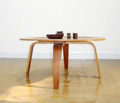 eames madera_plywood_coffee_table_designer_charles_and_ray_eames