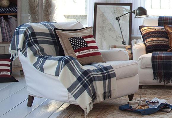 Las-mantas-sobre-los-sofás-siempre-aportan-calidez