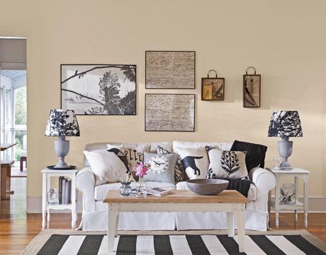 sillón-blanco-con-almohadones