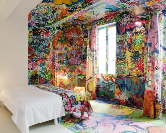 Panic_room_graffiti_Topsecretdeco