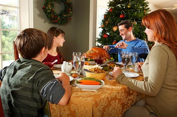familia-mesa-navidad