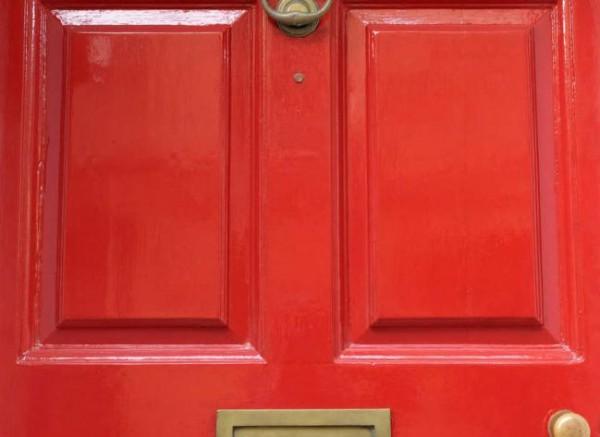 Como-limpiar-puertas-de-madera-3_0