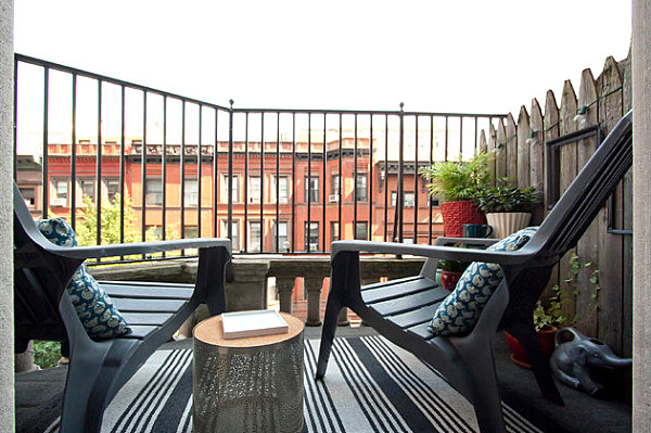 Modern-New-York-balcony