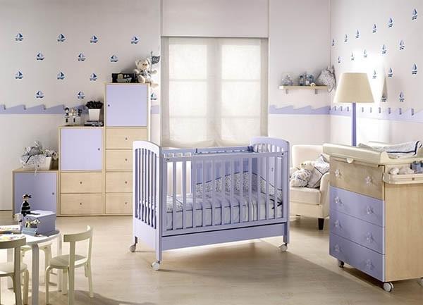 dormitorio-de-bebe-tonos-azules-y-muy-iluminado
