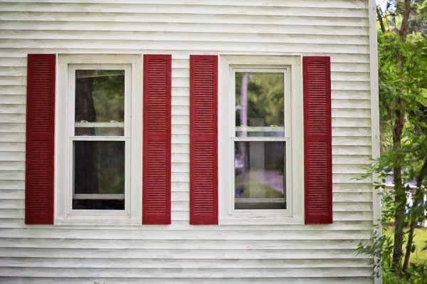 red-shutters-825752_960_720