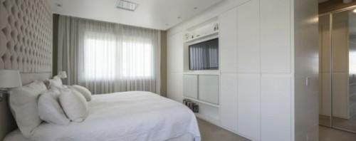 blanco-pared-estrecho-cama-grande