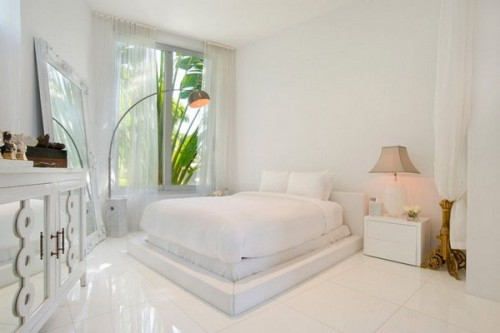 blanco white bedroom