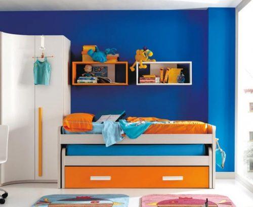 Cómo decorar una recámara con colores complementarios azul y naranja